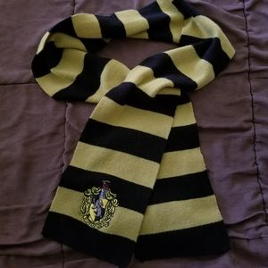 Harry Potter Hufflepuff Black and Yellow Scarf